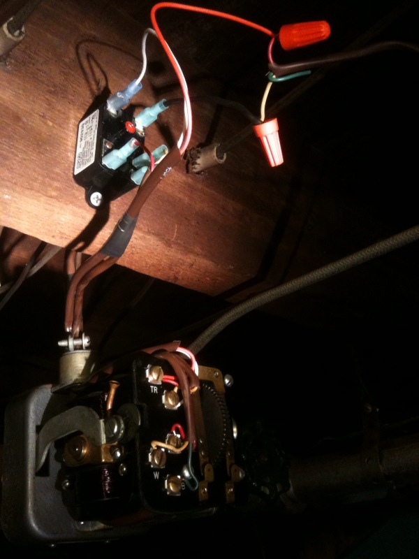Thermostat Blue Wire >> Control a 3-wire zone valve with a 2-wire thermostat ...